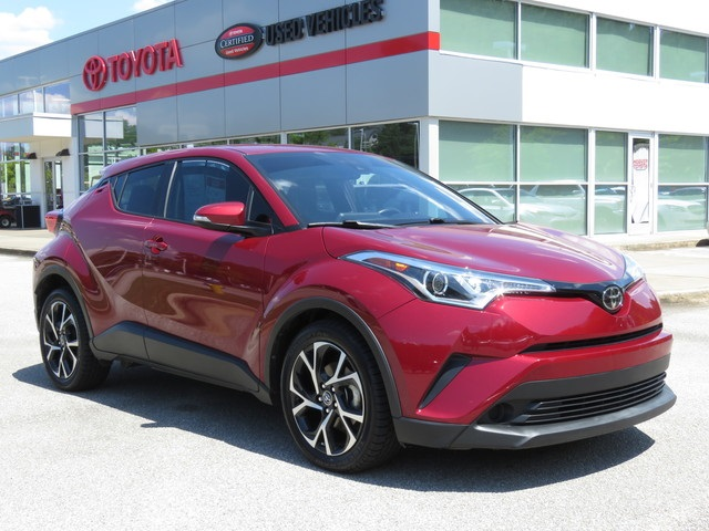 Pre-Owned 2018 Toyota C-HR XLE FWD 4D Sport Utility